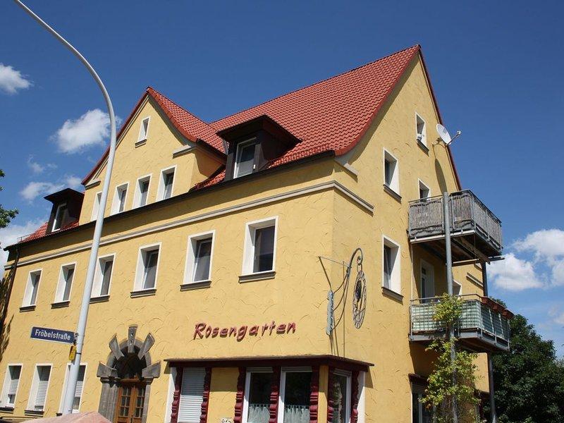 Bayreuth 9 Gehmin. zum Zentrum: Rosengarten R1 mit  3***, toller Balkon-Markise, holiday rental in Bayreuth