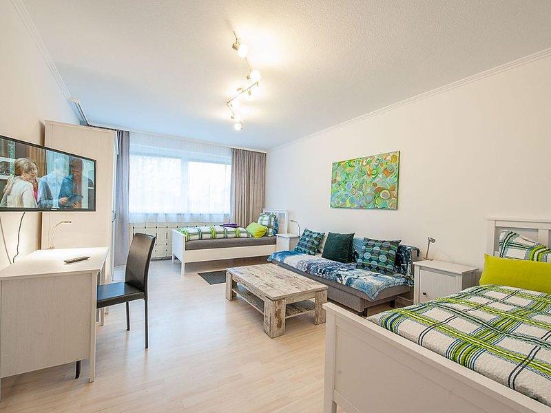 Chambre 1 2 lits simples + canapé-lit 1,40 * 2,00m + accès balcon