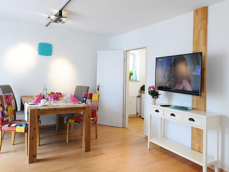Schönes und ruhiges 2-Zimmer-Appartement - Balkon, WLAN, TV, innenstadtnah, Ferienwohnung in Grolsheim