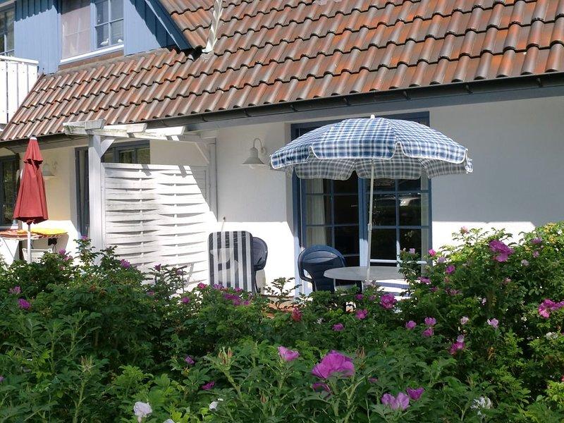 gemütliche Ferienwohnung in Wald- u. Strandnähe, inkl. Bettwäsche, WLAN, bis 4 P, holiday rental in Ostseebad Prerow