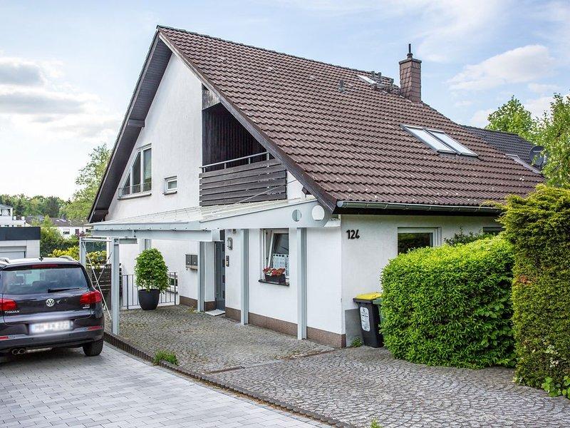Green Little Home, Dachgeschosswohnung am Waldrand in Mülheim an der Ruhr, vacation rental in Moers