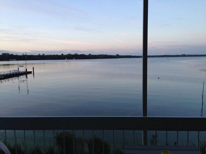 Ferienwohnung mit Panorama Seeblick auf das Zwischenahner Meer, vacation rental in Bad Zwischenahn