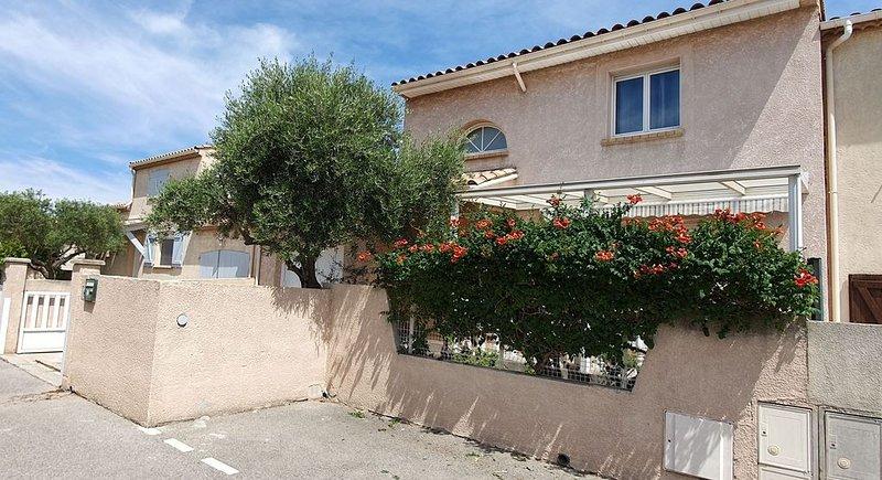 Jolie maison centre de gruissan 90m2, holiday rental in Gruissan