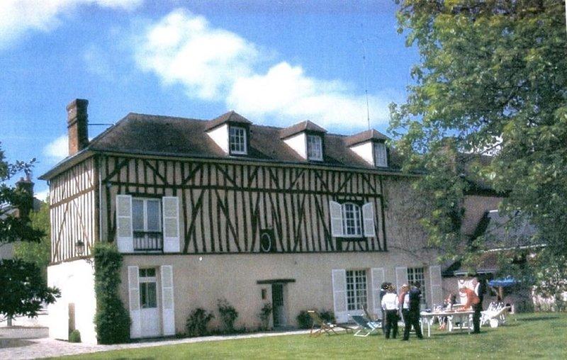 Maison de charme *** proche gare, centre ville, golf, vacation rental in Villemeux-sur-Eure