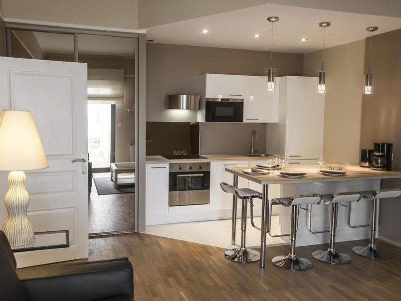 Appartement Gerland - calme - centre ville historique, holiday rental in Saint-Apollinaire