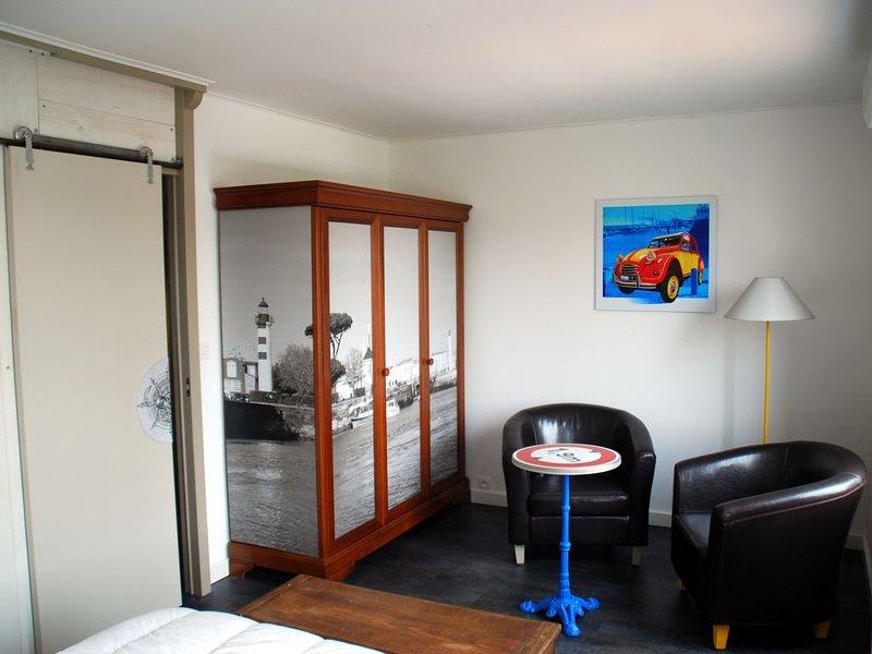 CENTRE VILLE LA ROCHELLE T3 WI-FI HD  + PRET  ( vélos+équipement bébé), vacation rental in La Rochelle