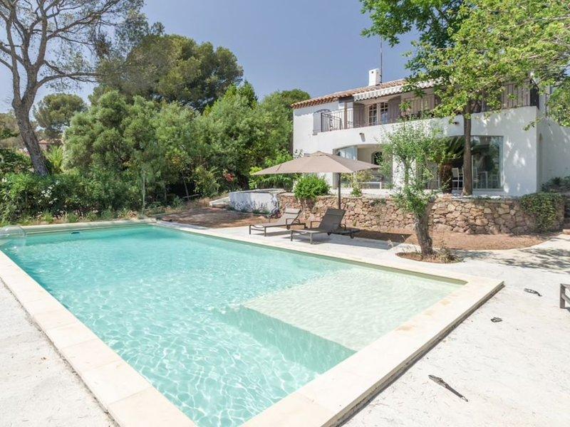 Belle villa près des plages, des criques et du port, alquiler vacacional en St-Raphaël
