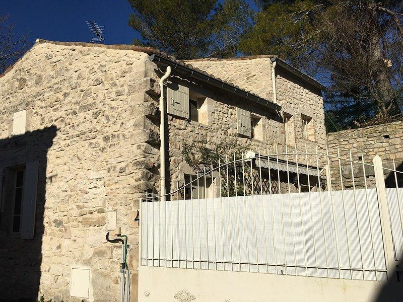 Maison en pierres dans joli petit village gardois, holiday rental in Barjac