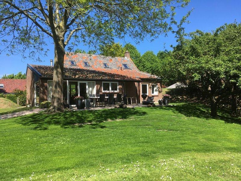 ruim vakantiehuis met fraaie tuin, Ferienwohnung in Zuid-Holland