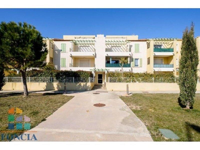 Toit terrasse / T3  vue mer et vue parc de la Clape. Duplex cocooning et cosy., vacation rental in Narbonne