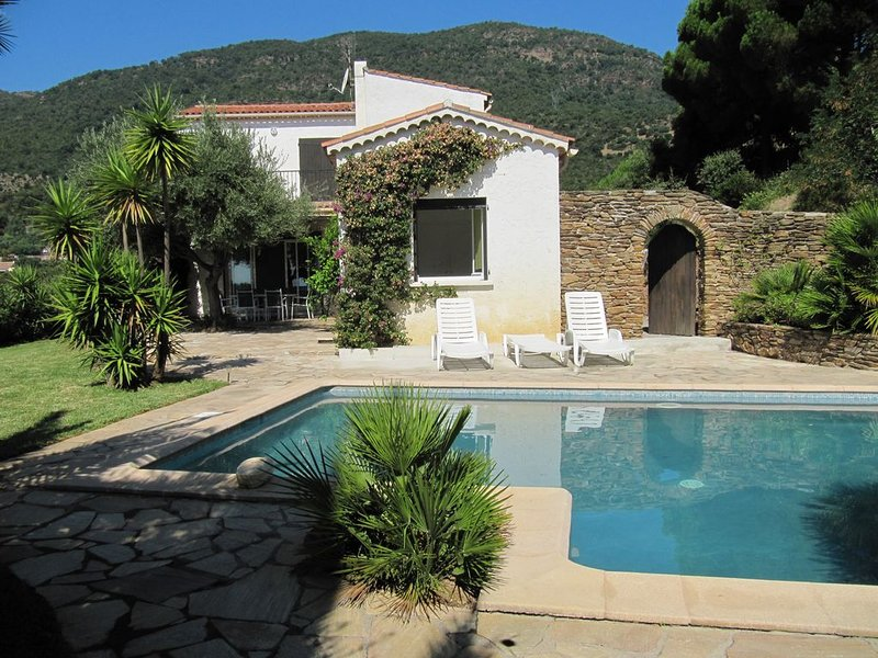 Villa 'La Grive' avec piscine, holiday rental in Cavalaire-Sur-Mer