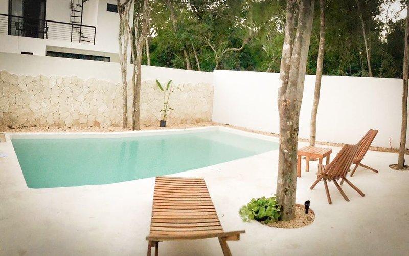 Casa Colibri, 24/7 security, perfect for families and friends, alquiler de vacaciones en Macario Gómez