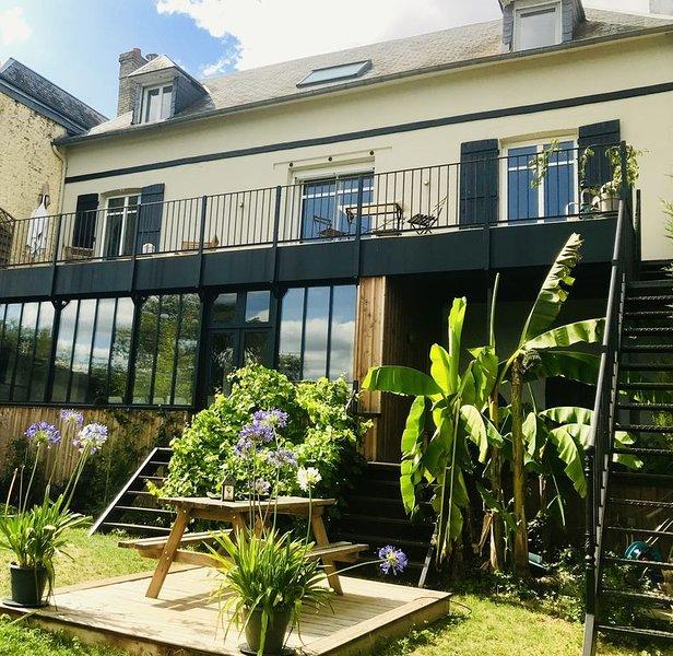 Maison familiale en bord de Seine, vue spectaculaire depuis la terrasse, location de vacances à Poses