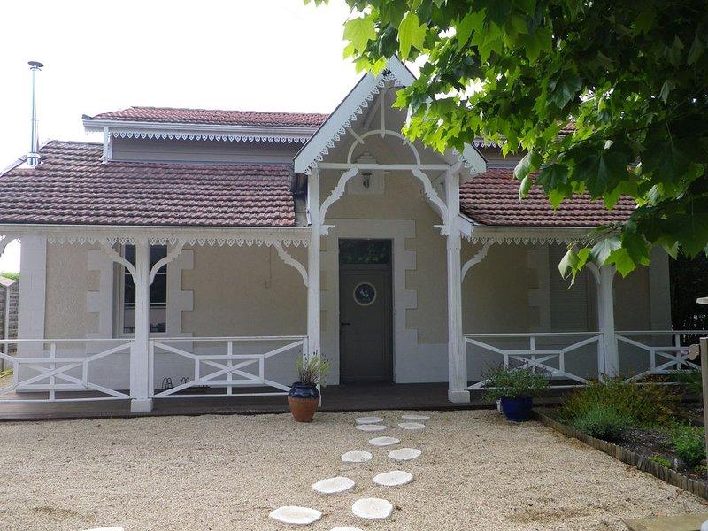 Bassin d'Arcachon - Jolie maison proche du port de cassy, vacation rental in Lanton
