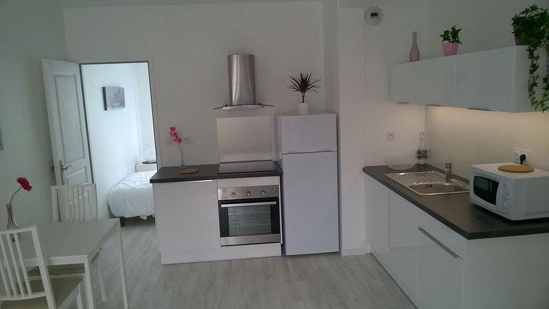 Nouveau ! Appartement neuf et cosy entre Bordeaux et l'océan !, holiday rental in Saint-Jean-d'Illac