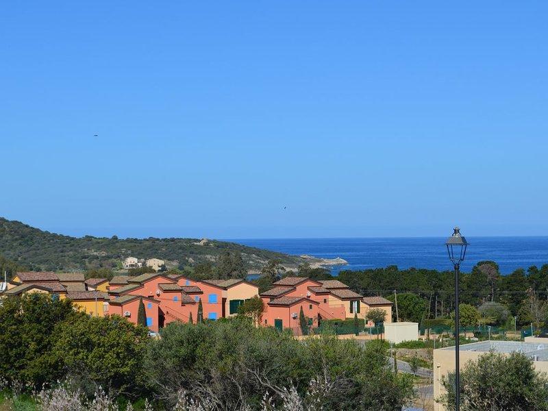 La résidence est près de la mer