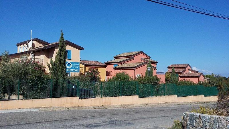 Appartement 6 couchages dans une résidence proche mer à Lozari, location de vacances à Palasca