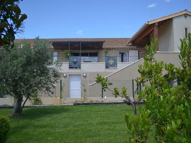 Cers et Marin Gîte de charme tout confort au coeur du Languedoc, location de vacances à Lespignan