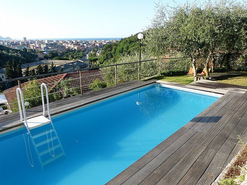 Casa Oleandro C, rimborso completo con voucher*: Un elegante ed accogliente appa, vakantiewoning in Mezzanego