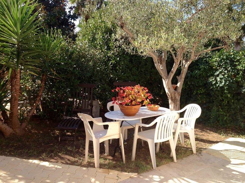 jolie maison tout confort avec jardinet, vacation rental in Fréjus