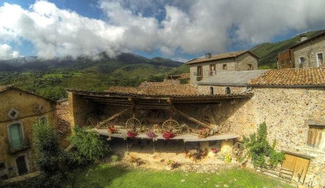 Apartamento rural con jardín, ideal para el relax, familias y hacer senderismo, location de vacances à Durro