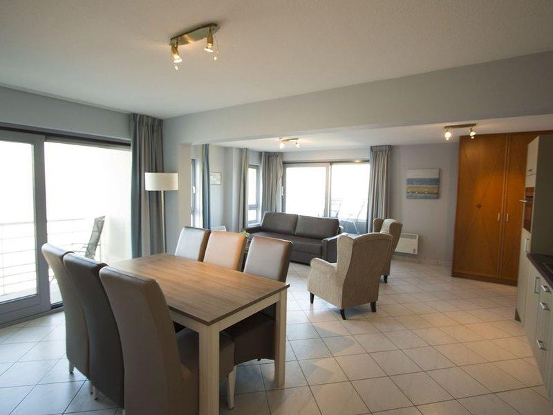 Spacieux appartement pour 5 personnes près de la mer, vacation rental in Blankenberge