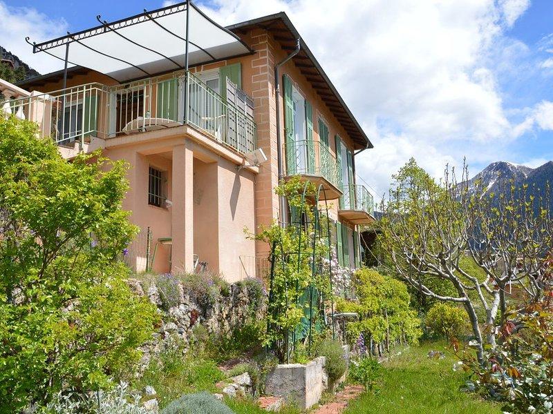 Villa Rosemarie Logement entier rez de jardin 6 couchages, casa vacanza a Bairols