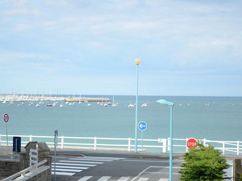 Appartement 50 m2  duplex avec  belle vue mer à 50 m de la grande plage., alquiler de vacaciones en Matignon