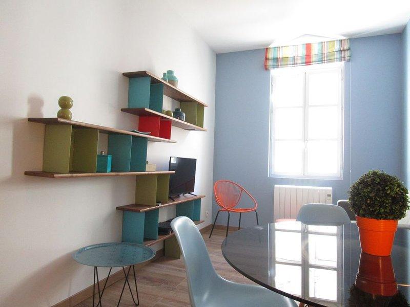 Maison 3 chambres avec terrasse au centre ville, holiday rental in Avignon