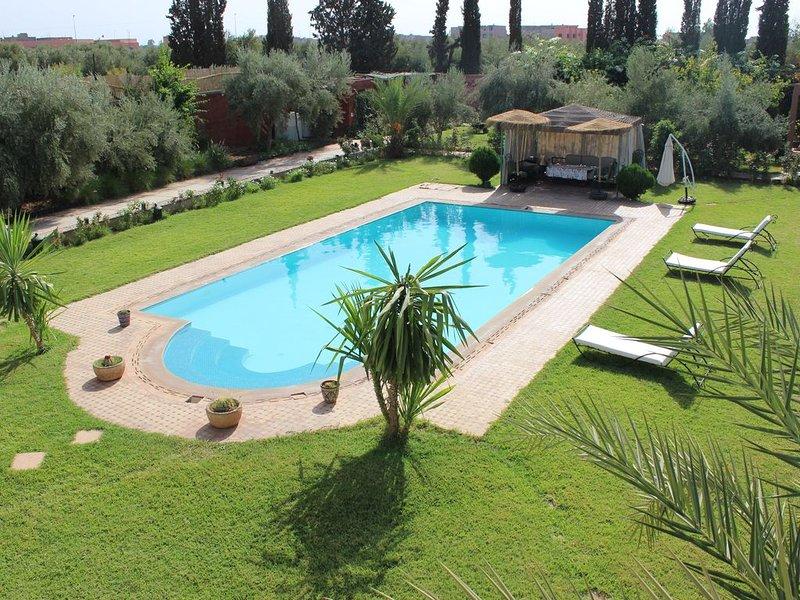 Villa parfaite pour famille ou groupe d'amis  15min du centre ville en voiture, holiday rental in Lagouassem
