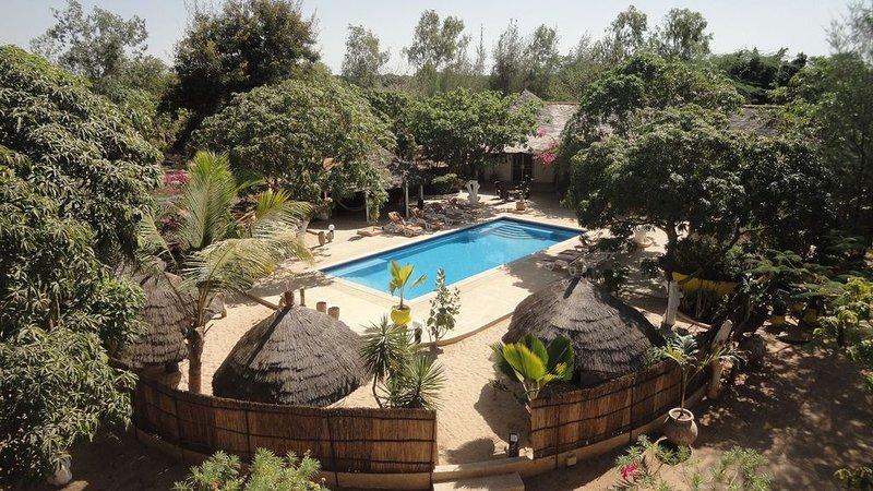 LODGE de 300 m² avec piscine et 5 suites sur 1 hectare, à 5 mn de la plage., alquiler vacacional en Senegal