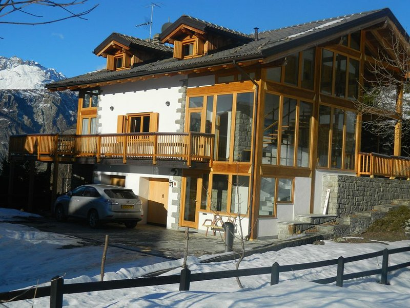 Beautiful Holiday Apartment With Stunning Mountain Views, alquiler vacacional en La Magdeleine