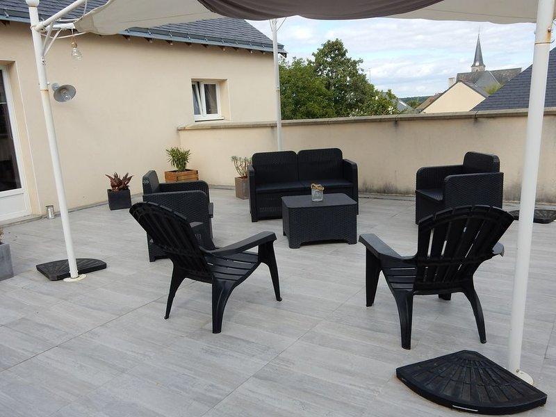 Gite tout confort très calme au coeur d'un village près de la Mayenne., holiday rental in Saint-Fort