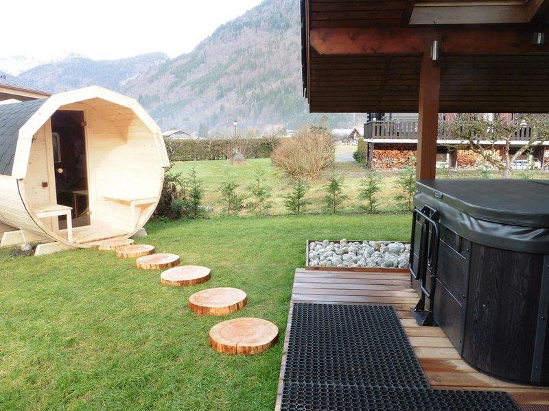 Chalet renové à la Montagne jacuzzi-sauna, location de vacances à Samoëns