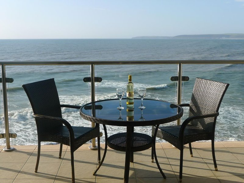 45 Horizon View - Luxury Apartment with Amazing Sea Views in Westward Ho!, vacation rental in Bideford