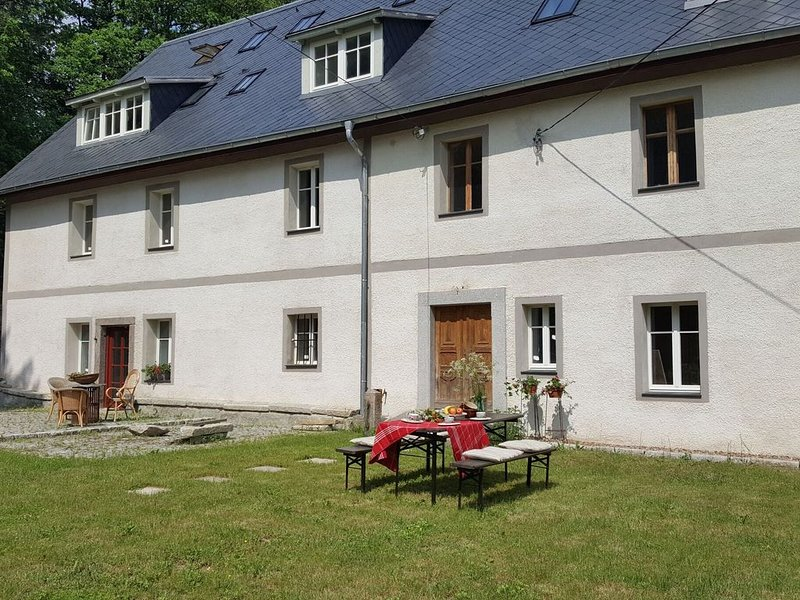 Spacious Authentic  Polish Country House in beautiful landscape, holiday rental in Karpacz