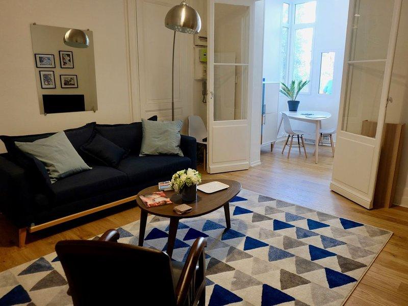 Appartement rénové sur cour/jardin au Bouscat, holiday rental in Blanquefort