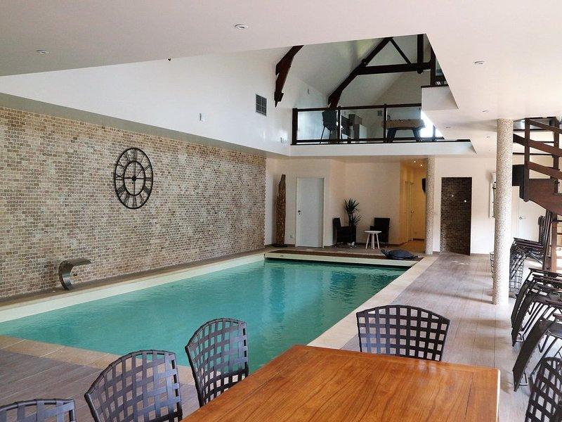 Villa 300 m² (1-6 pers.) avec piscine intérieure chauffée à l'année - YVELINES, holiday rental in Septeuil