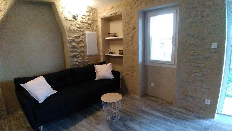 Gîte en campagne à 10 minutes de l'Isle sur la Sorgue, holiday rental in Cavaillon
