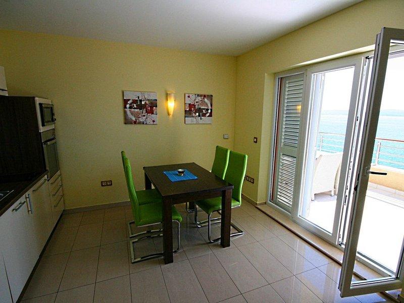 Villa Opera Luxury Villa direct above the Private Beach, vacation rental in Marusici