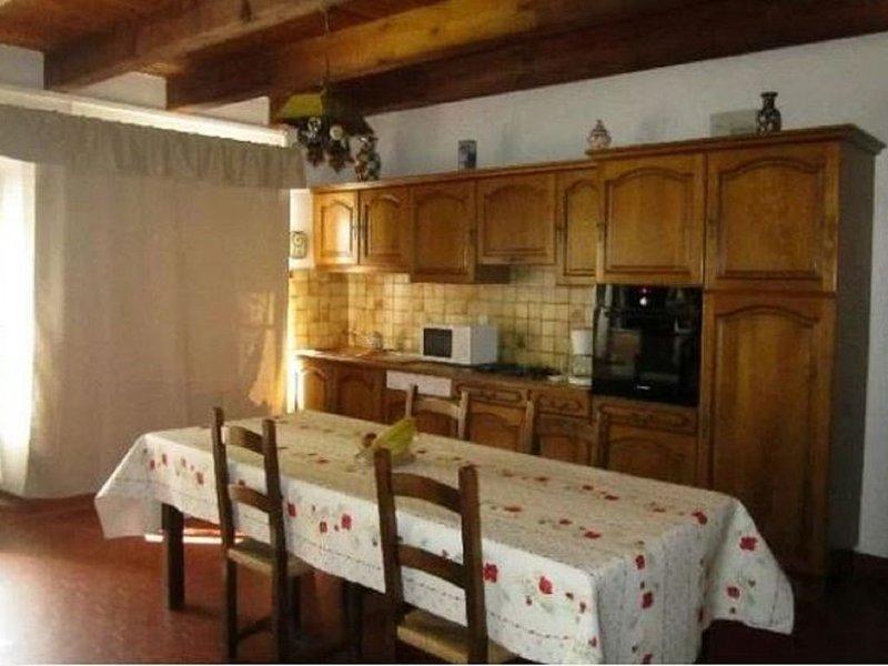 Belle Maison pour 4 personne a Louer a saint Bonnet Pres Orcival, casa vacanza a Ceyssat