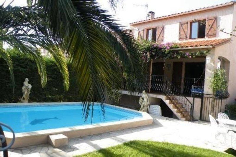maison avec piscine chauffée-jardin-terrasse-stationnement 3 voit - 7 à 9 pers, aluguéis de temporada em Argeles-sur-Mer
