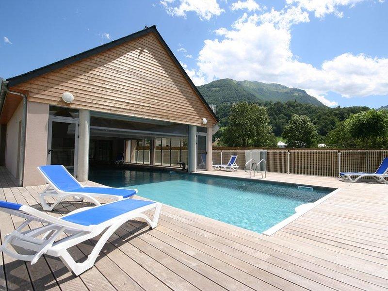 Appart. Studio en résidence avec piscine et vue montagne, alquiler de vacaciones en Hautes-Pyrenees