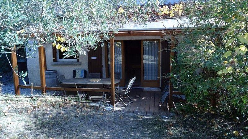 appartement terrasse, jardin dans villa à Digne les Bains prix spécial curiste, alquiler vacacional en Aiglun