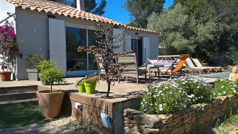 Maison de campagne à 5 mn de la plage des Lecques, holiday rental in La Cadiere d'Azur