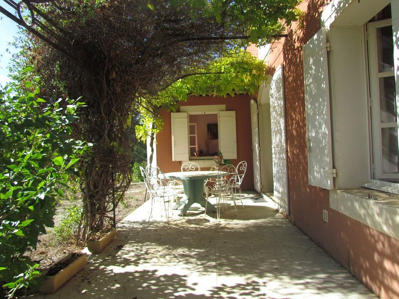 Belle maison dans le Luberon, holiday rental in Gargas