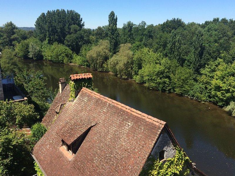Gîte dans village médiéval vue sur la Dordogne L'Annexe, location de vacances à Beaulieu-sur-Dordogne