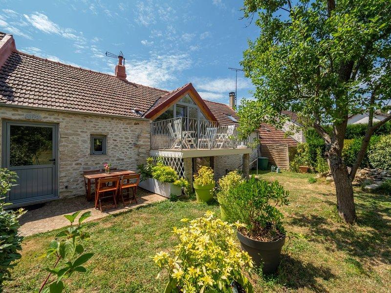Le gîte l'Ancien Fournil est une ancienne bâtisse de 1850 entièrement rénovée., holiday rental in Septeuil