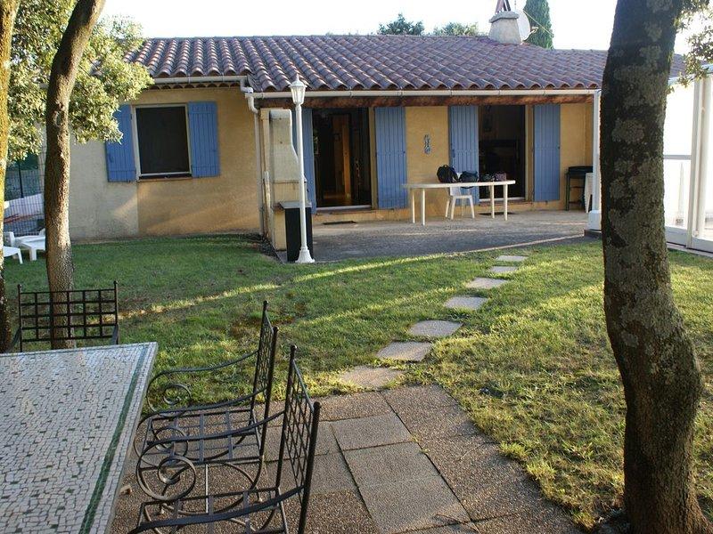 Maison avec piscine à Tulette - Drôme Provençale, holiday rental in Buisson