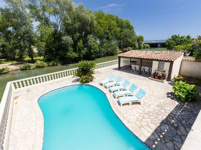 Villa pieds dans l'eau (Rivière et Mer!), vacation rental in Villeneuve-Loubet